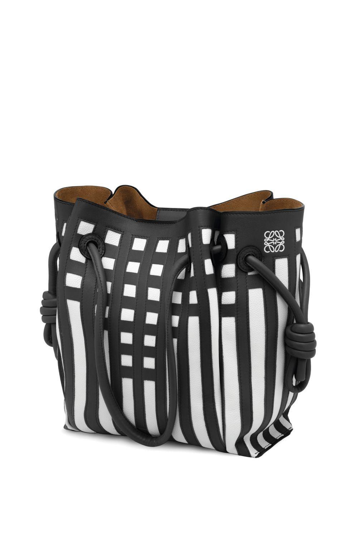 Uno de los bolsos más icónicos de Jonathan Anderson para Loewe con...