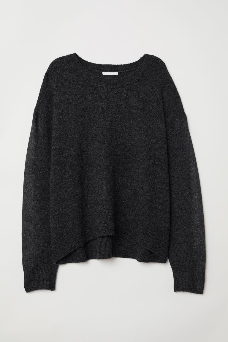 Jersey de punto en gris oscuro de H&M,  (19,99 euros).