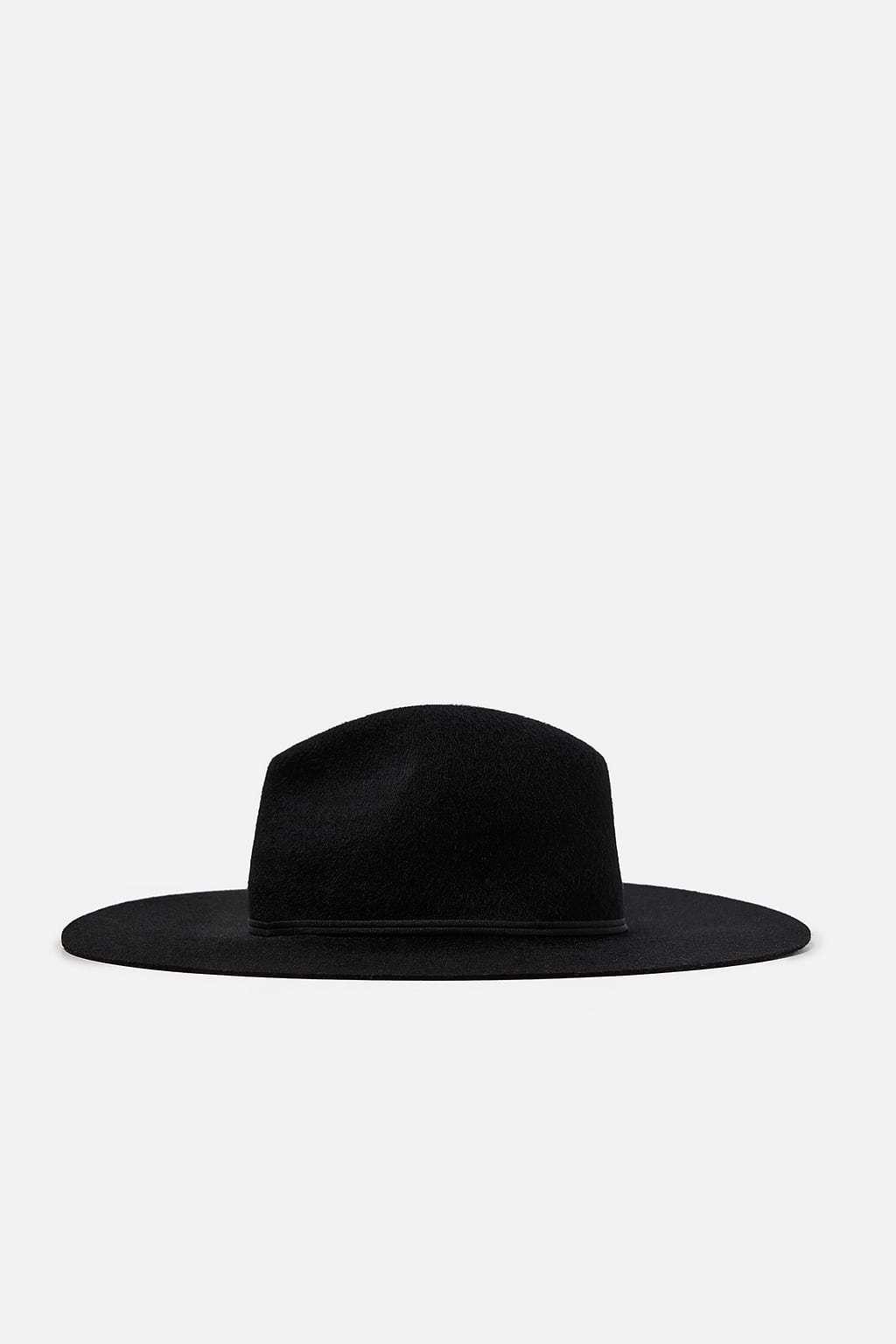 Sombrero de lana, de Zara (29,95 euros).