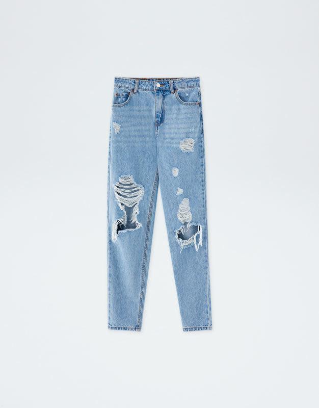Pantalones vaqueros rotos, de Pull&Bear (25,99 euros).