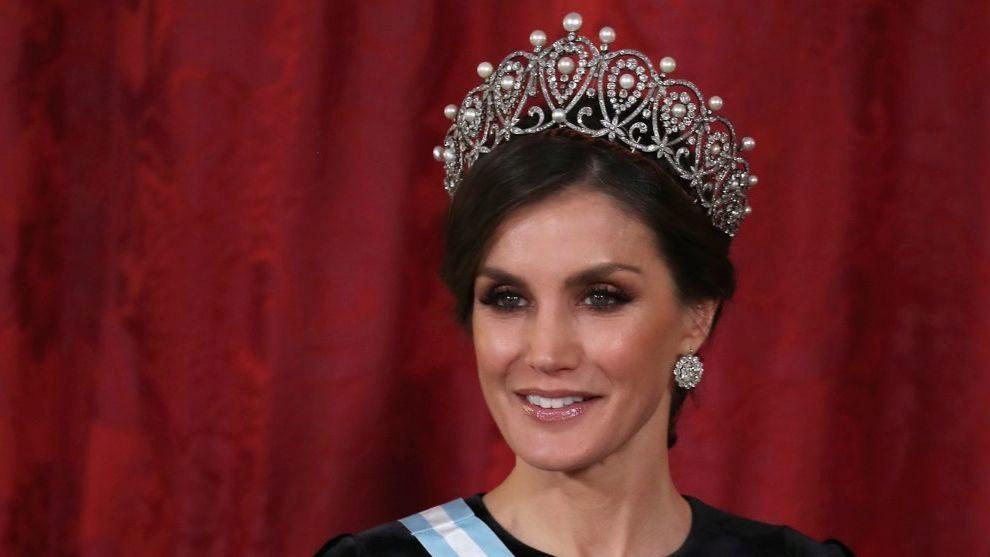 Letizia estrena la última gran tiara de las joyas de pasar