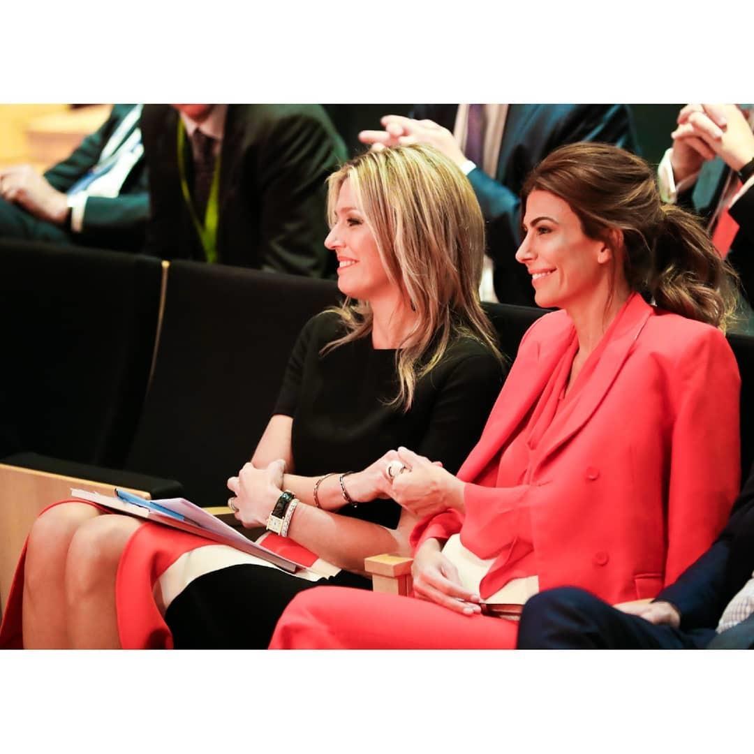 Juliana Awada junto a la Reina M