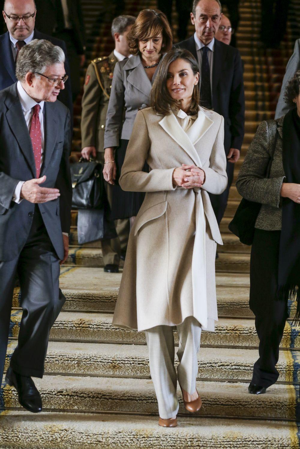 La aristócrata apostó por Carolina Herrera y Hugo Boss
