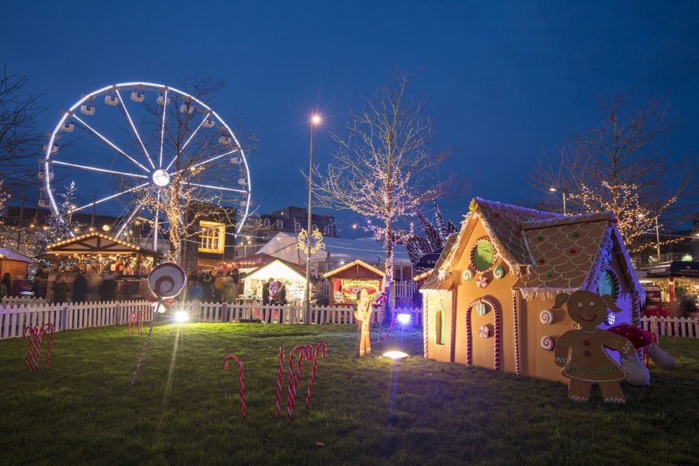 Paisaje del Continental Christmas Market de Galway