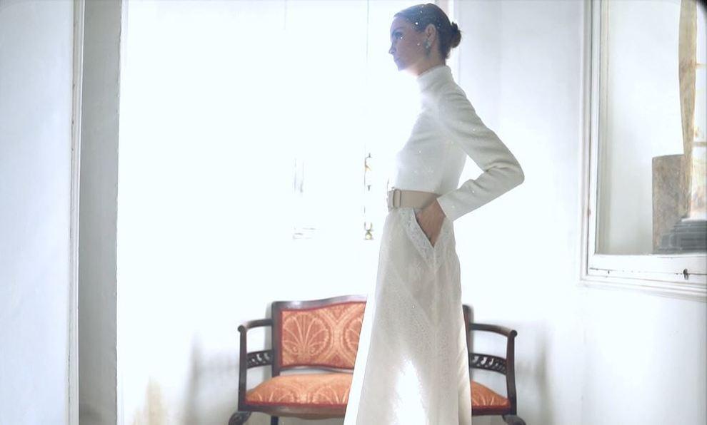 Alejandra de Rojas con vestido de novia de los diseñadores españoles...