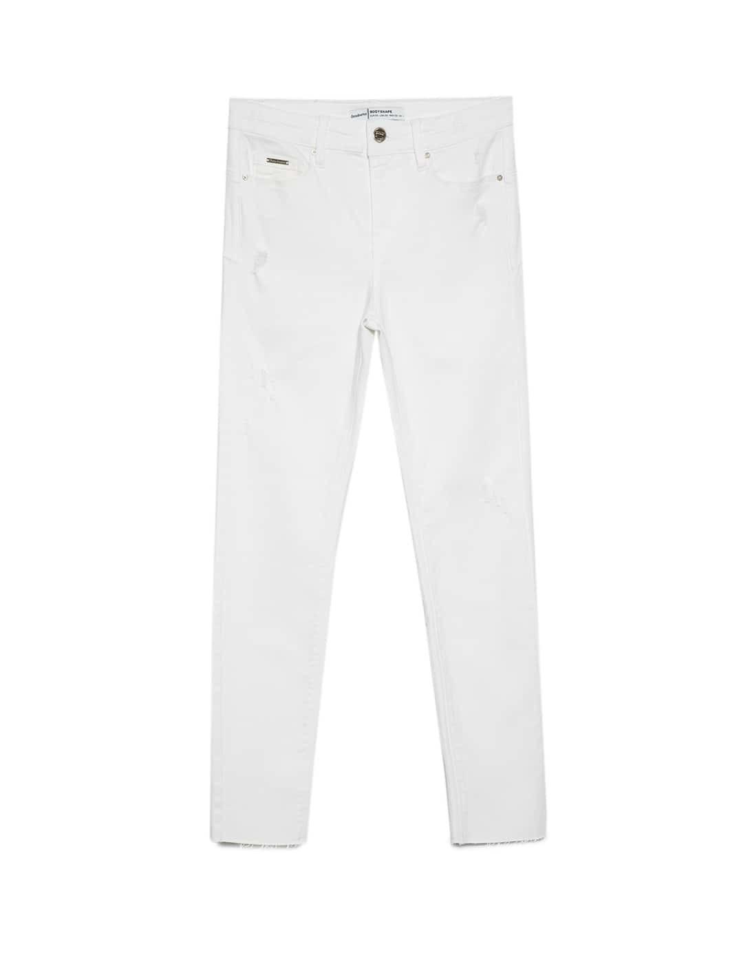 Jeans blancos demin  25,99 euros.