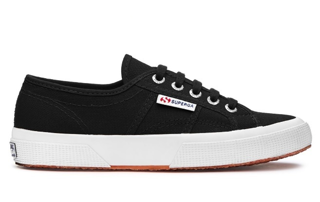 Superga modelo 2750 black- white 60 euros.