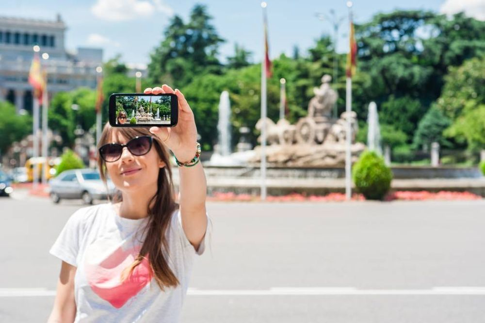 Los tours guiados visitan las localizaciones más famosas de la...
