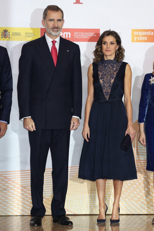 Los Reyes don Felipe y doña Letizia en el concierto conmemorativo de...