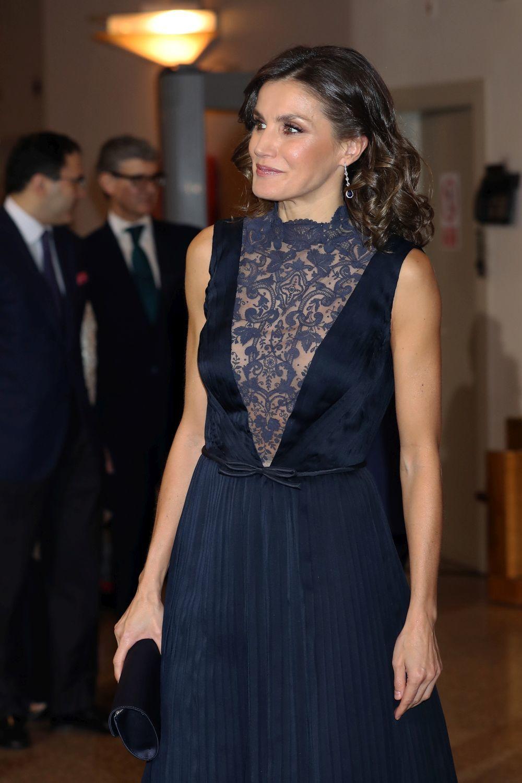 Detalle del look de la reina Letizia.