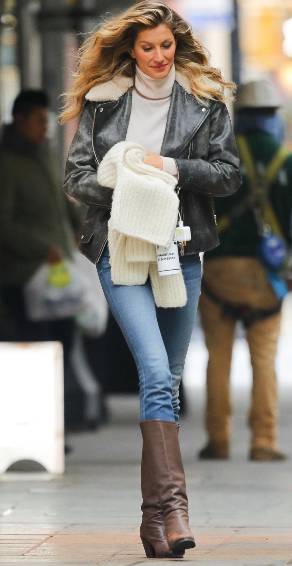 Gisele Bündchen por las calles de Nueva York con combate el frío con...