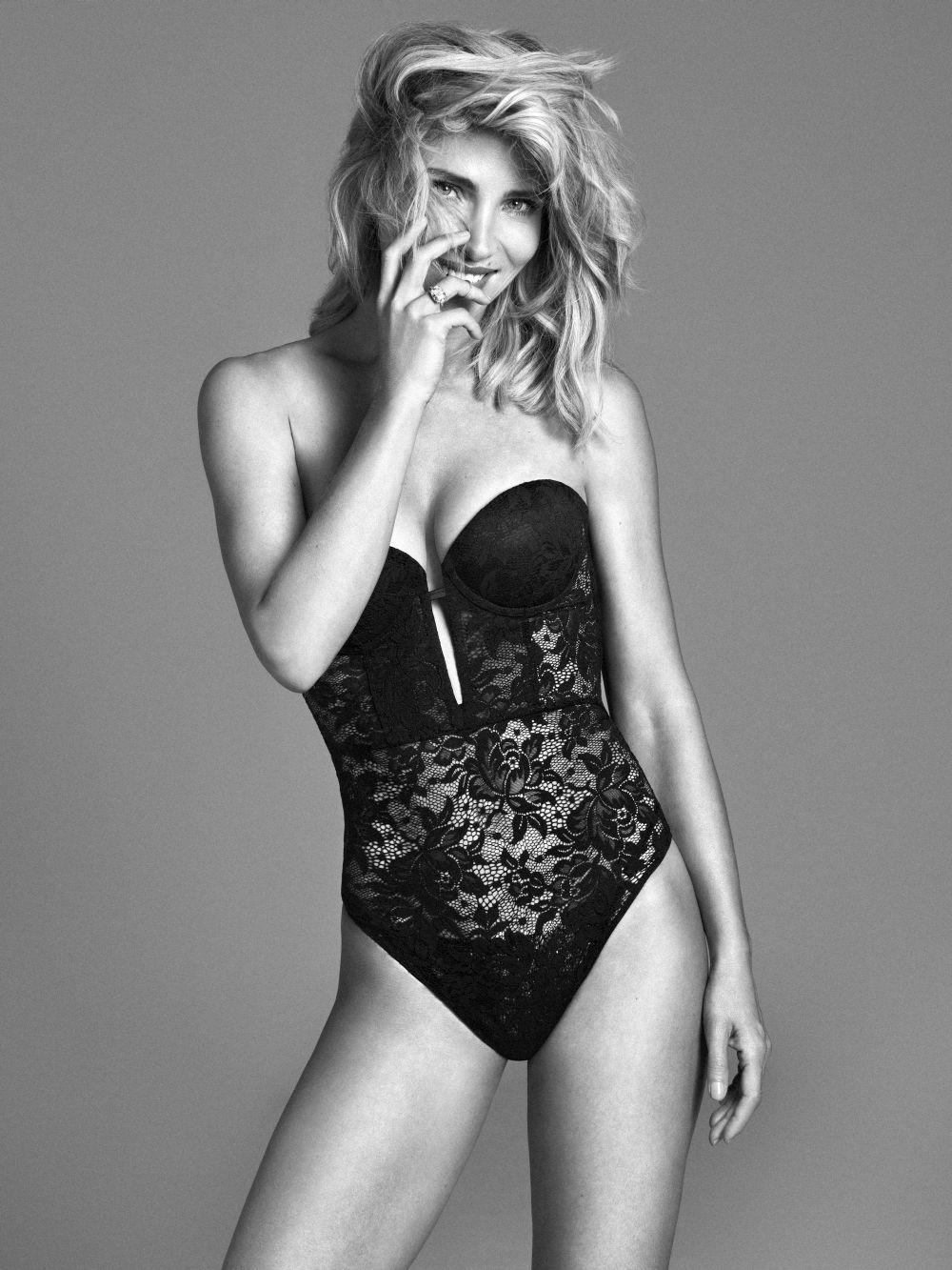 Elsa Pataky con body negro transparente en una de nuestra producciones...