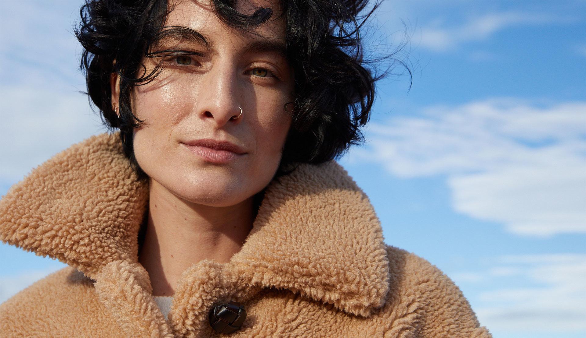 Modelo con chaqueta de Zara