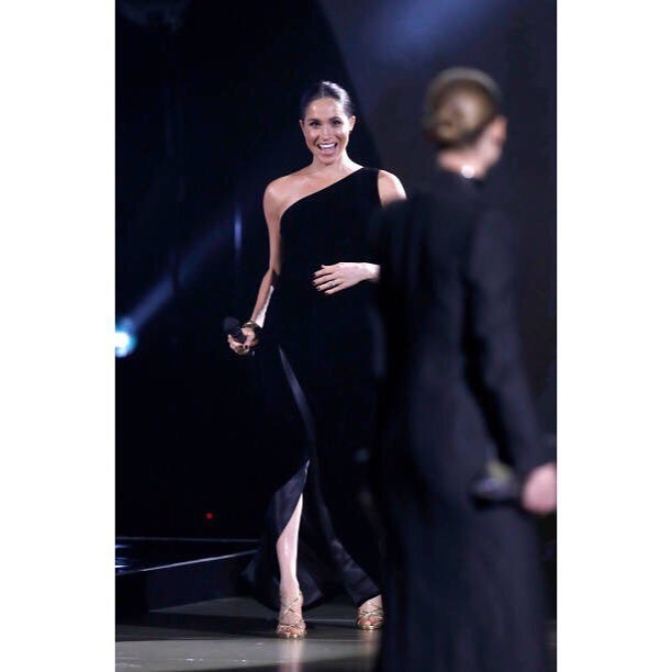 Meghan Markle enfundada en un Givenchy.