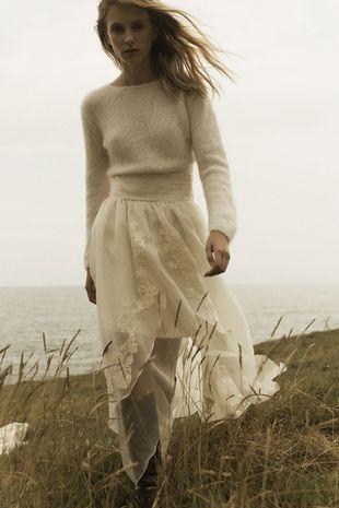 Look jersey + falda, el nuevo <em>dress code</em> que...