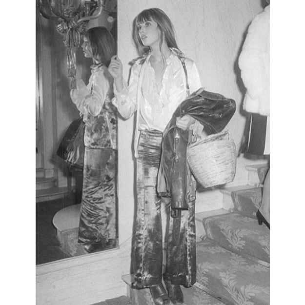 Jane Birkin con sastre de terciopelo.