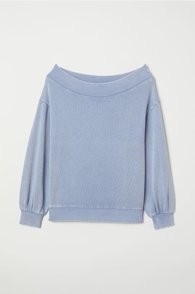Sudadera en azul bebé de H&M. (14, 99 euros).