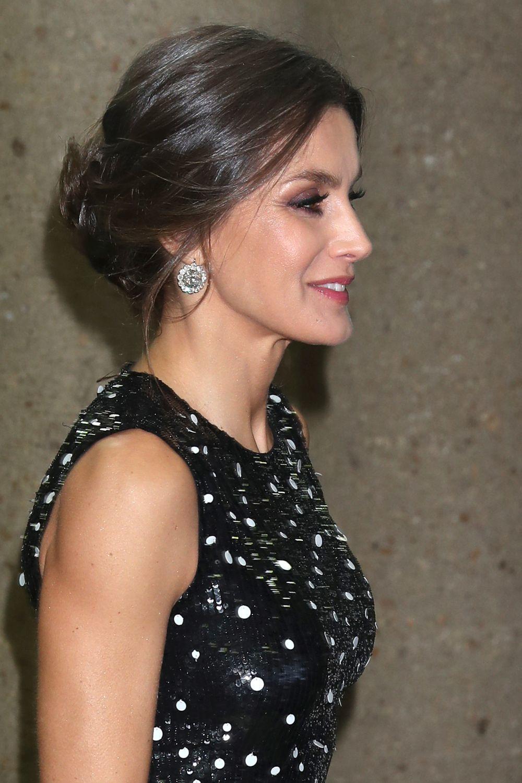 La reina Letizia en los os premios Mariano de Cavia, Luca de Tena y...