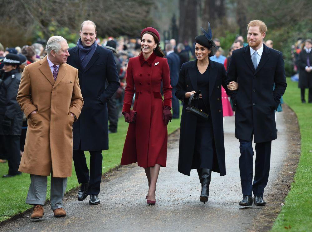 La familia real británica asistiendo a su tradicional misa navideña...