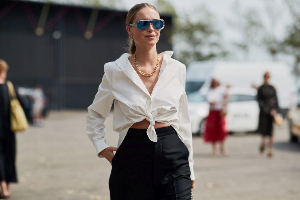 La camisa blanca es el básico indispensable de cualquier armario.