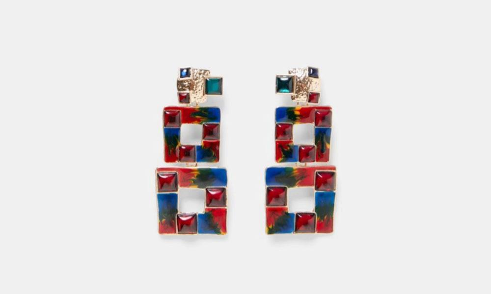 Pendientes XXL. De Zara (12,95 euros).