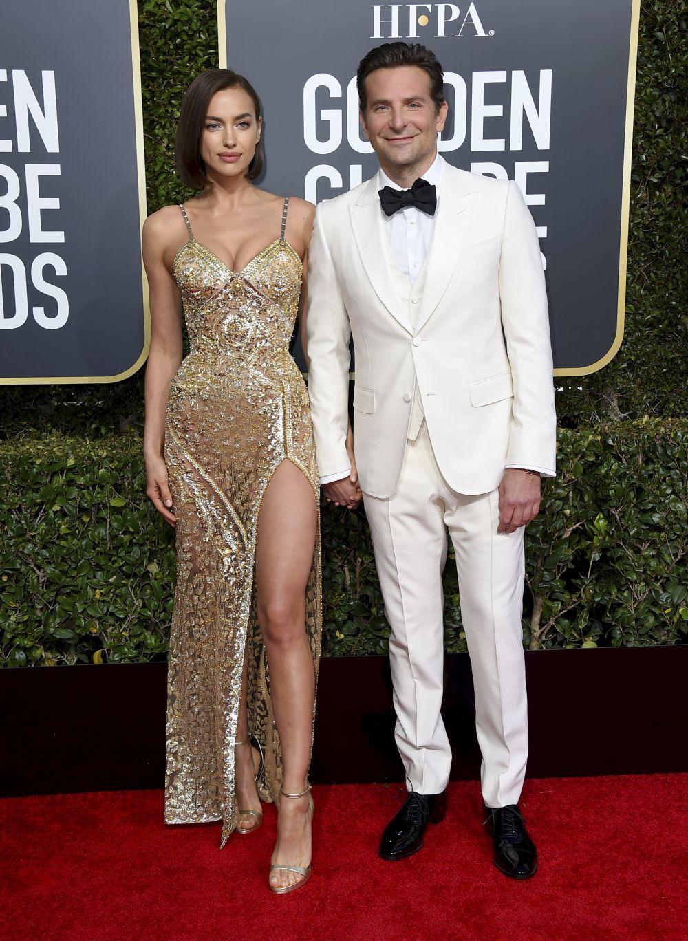 Irina Shayk con su nuevo look junto a Bradley Cooper.