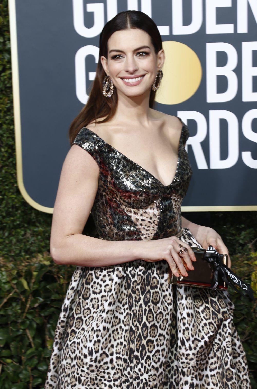 Anne Hathaway también ha qurido hacer un guiño al movimiento Times...