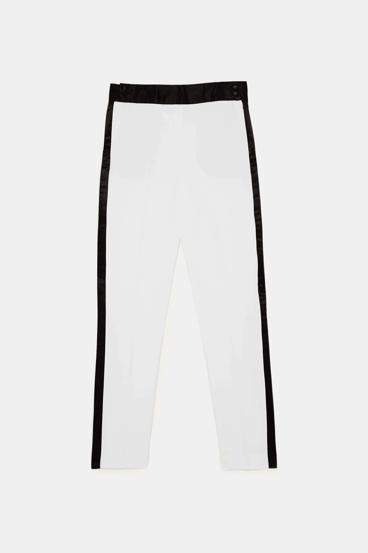 Pantalón de esmoquin de Zara (17,99 euros).