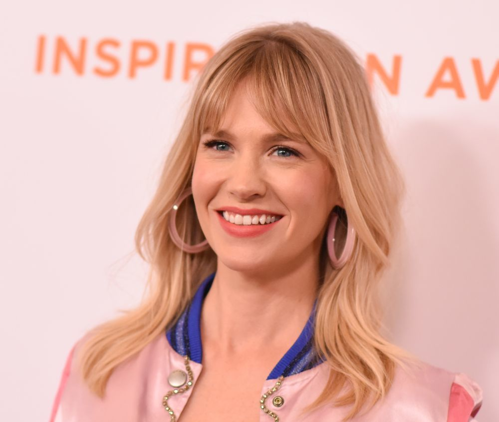 January Jones es una de las embajadoras de este corte con flequillo...