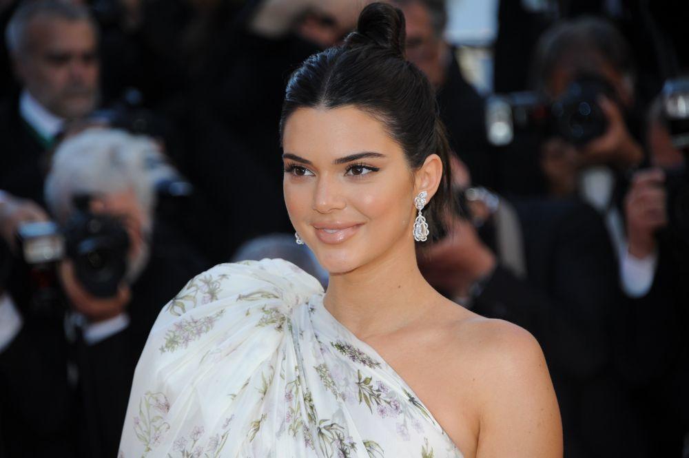 Kendall Jenner tampoco ha escapado de los rellenos de labios.