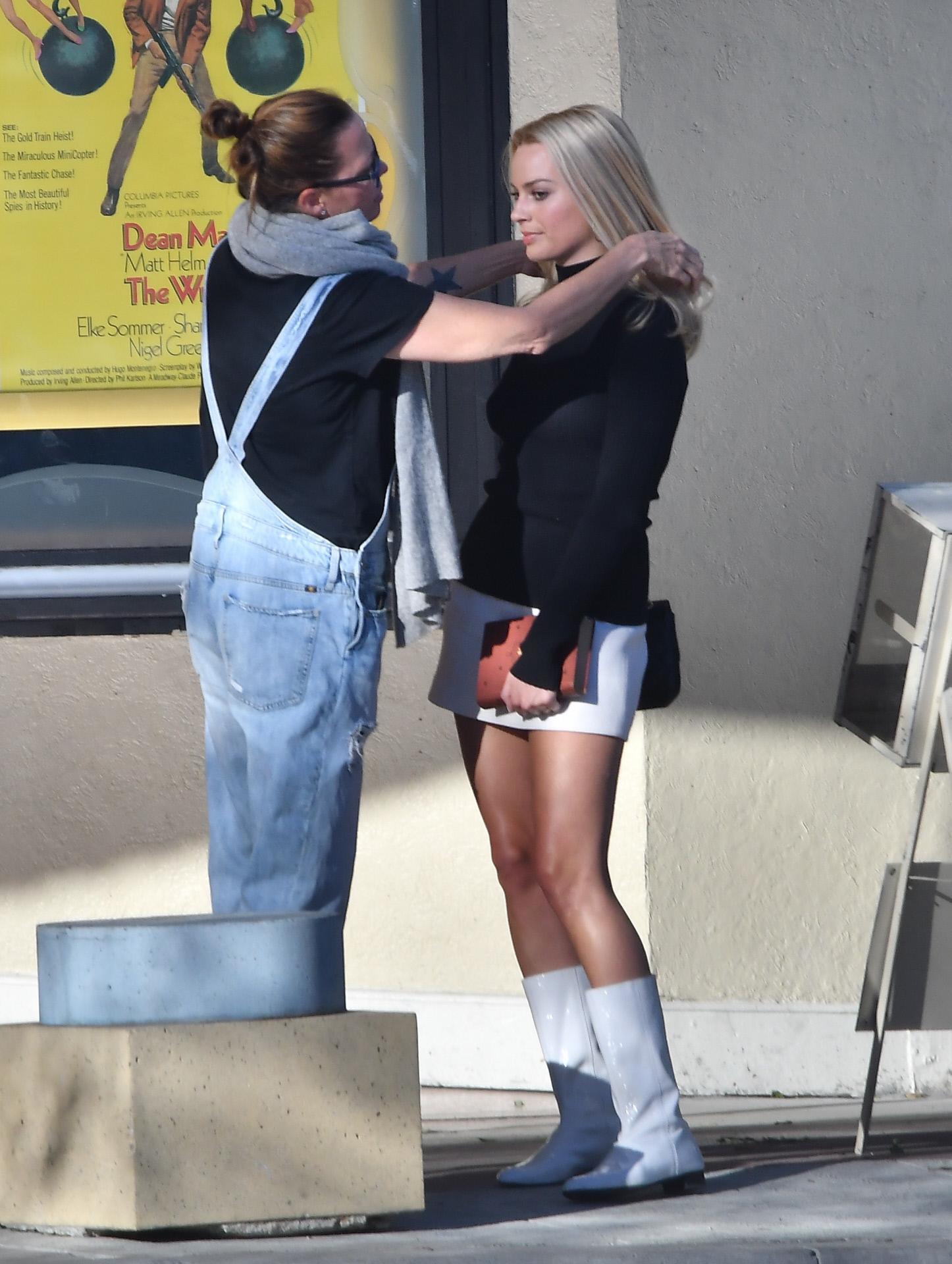 La actriz Margot Robbie en un momento del rodaje de Once Upon a Time...