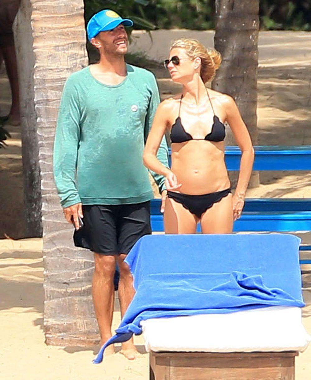 Gwyneth Paltrow y Chris Martin durante unas vacaciones, cuando...