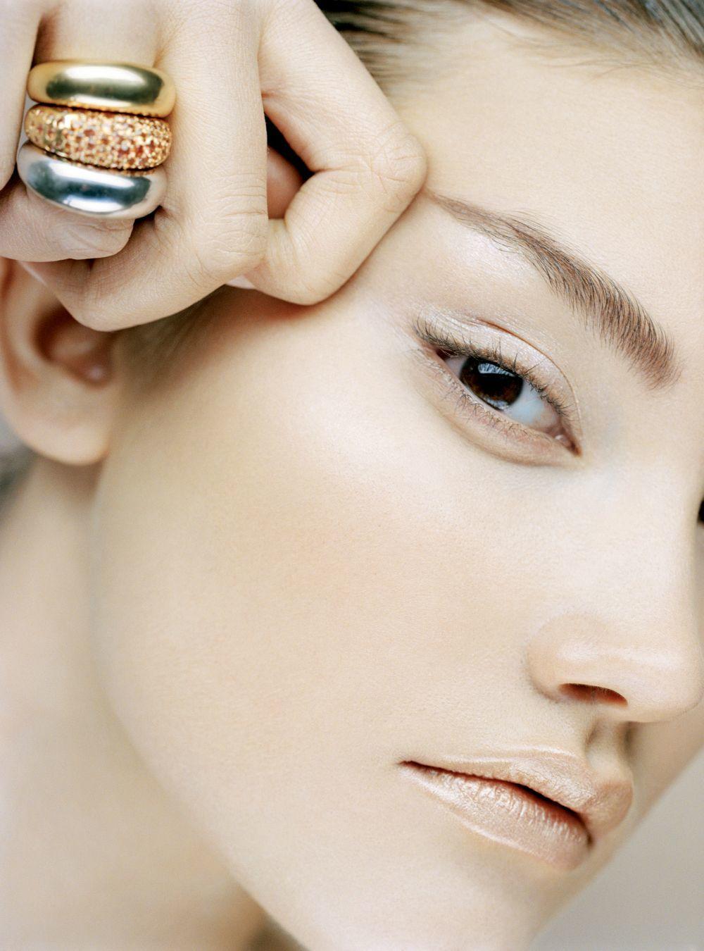 El ADN de sus cosméticos se basa en la fórmula Trío-Molecular que...