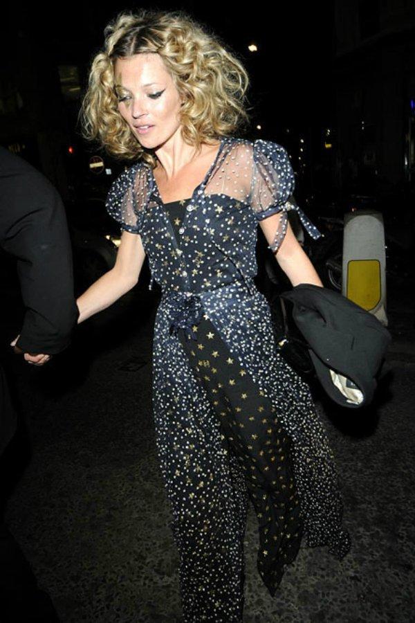 Kate Moss en su 34 cumpleaños.