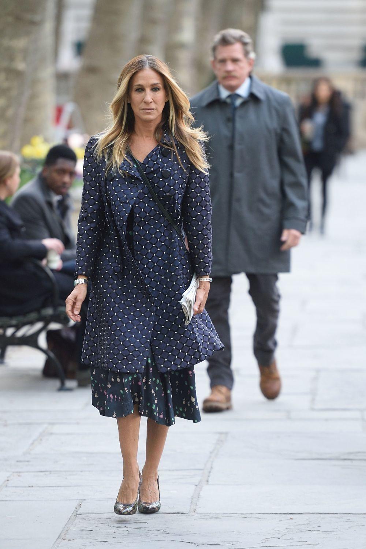 Sarah jessica Parker con uno de los abrigos que luce en la serie.
