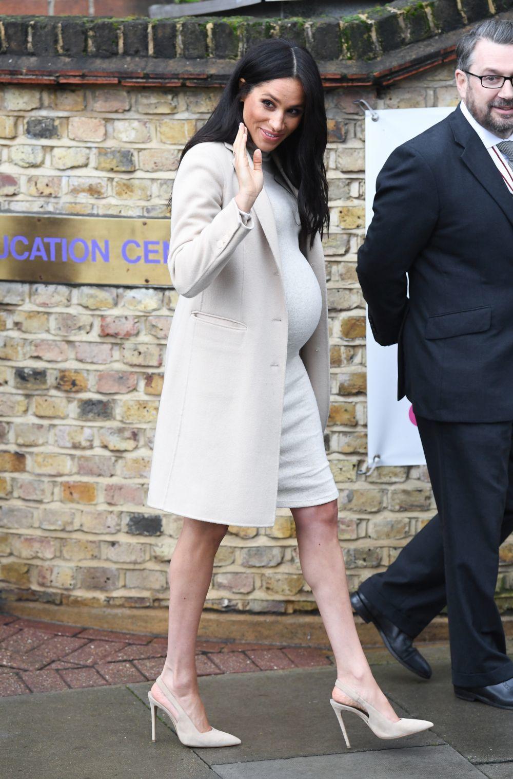 Meghan Markle con vestido de H&M.