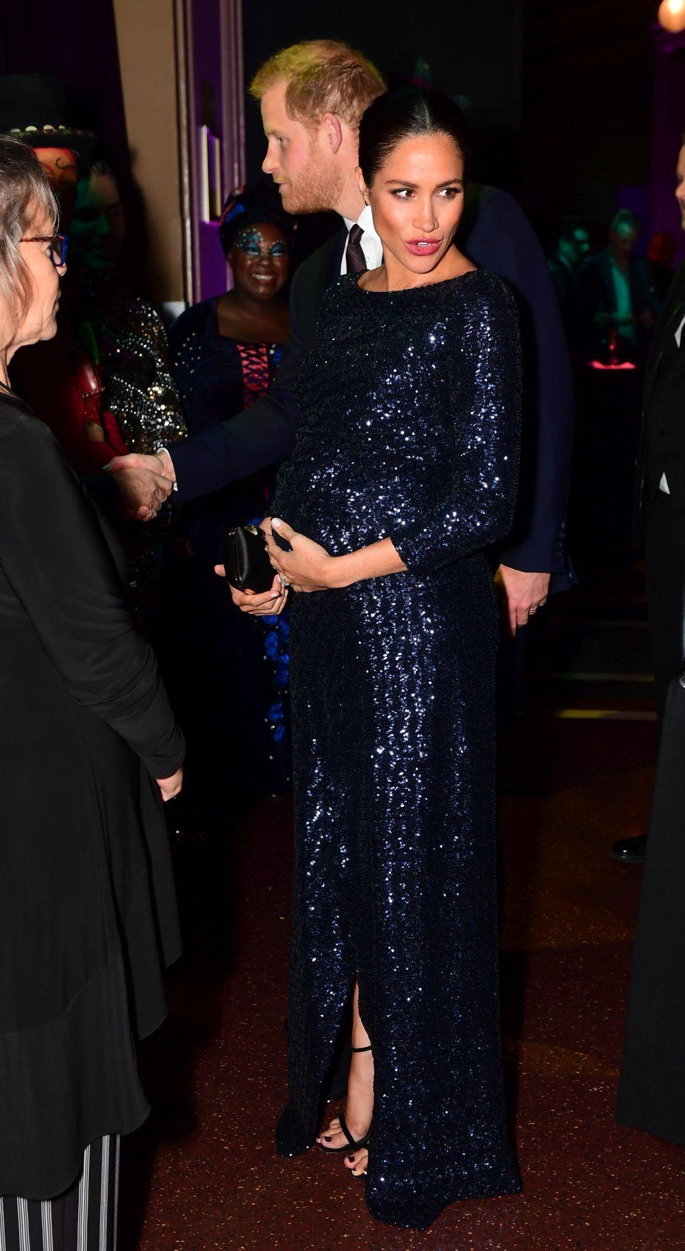 Meghan Markle y el príncipe Harry acuden a la premier de la nueva...