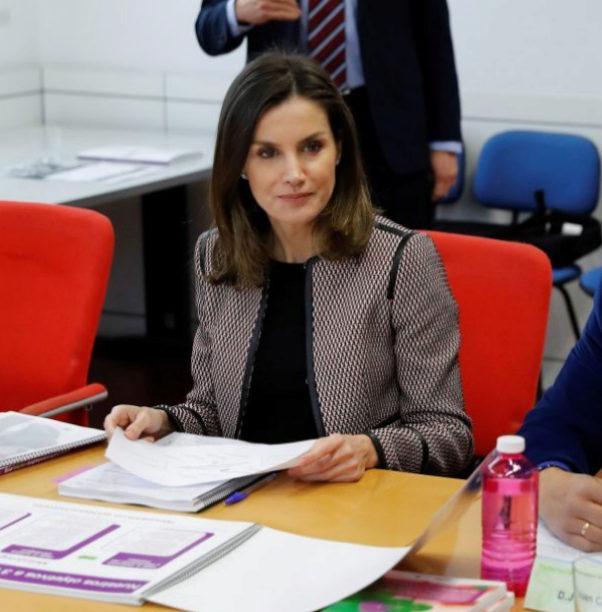 La reina Letizia se reune con la Junta Directiva de la Federación...
