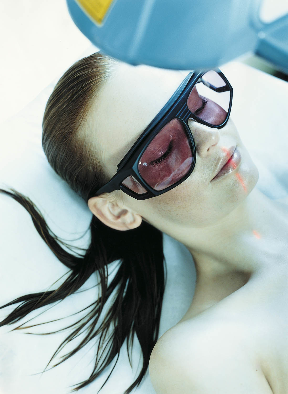La fotodepilación o depilación láser es el tratamiento más eficaz...