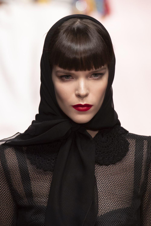 El flequillo recto y tupido del desfile de Dolce & Gabbana para esta...