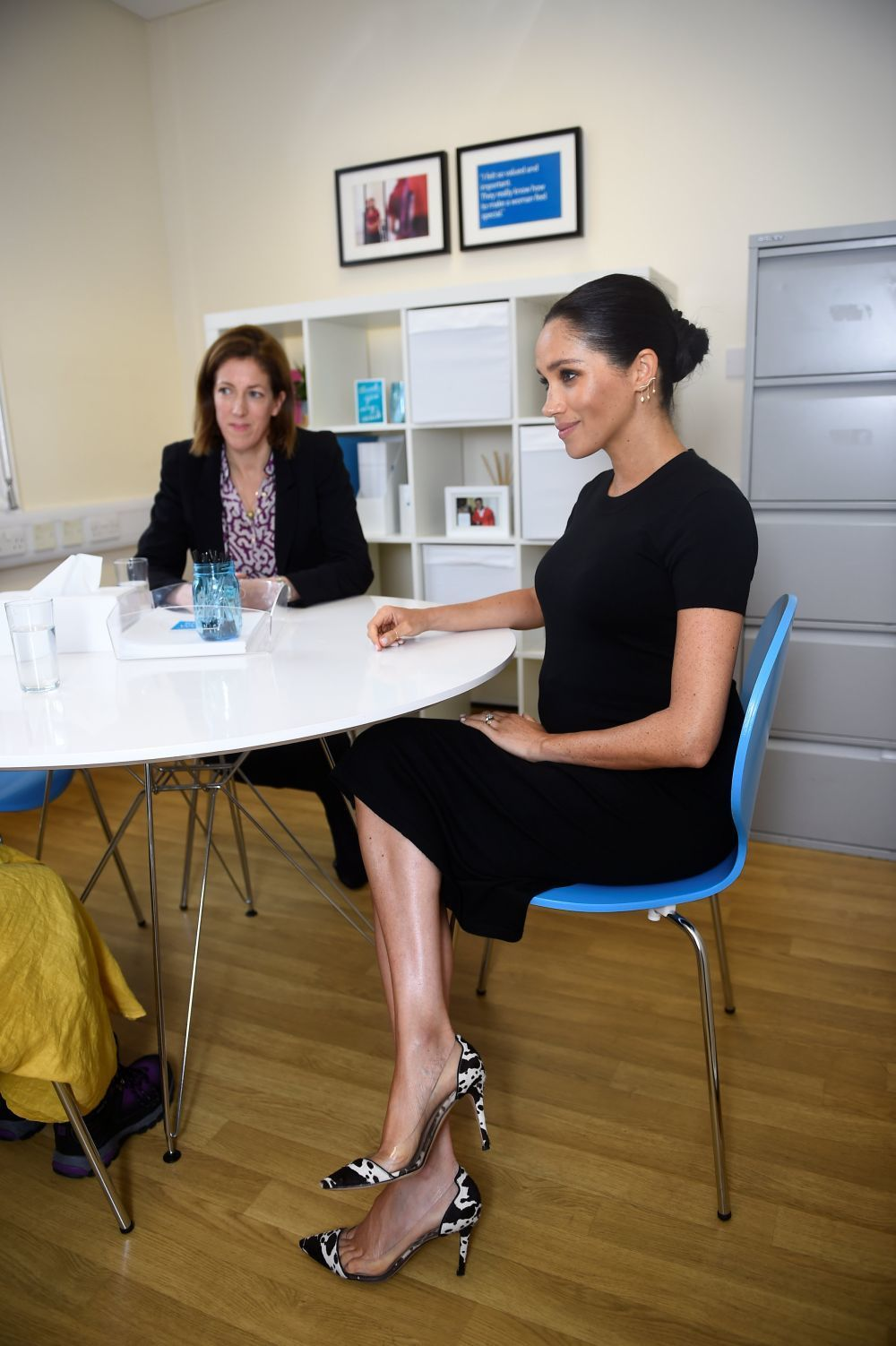 Meghan Markle con zapatos de animal print.