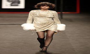 Ana Arto desfilando para Miguel Marinero en Madrid Fashion Week