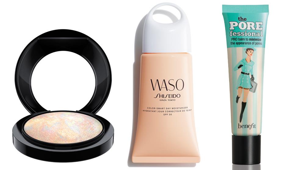 Mineralize Skinfinish Light Scapade, M·A·C (32 euros) para un rostro luminoso y uniforme; Color Smart Day Moisturizer SPF 30, Shiseido (46 euros); Bálsamo minimizador de poros y de líneas de expresión POREfessional, Benefit (C.P.V)).