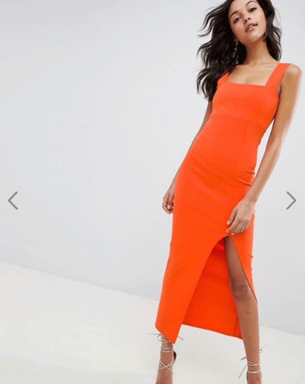 Vestido naranja ajustado, de Asos.