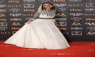 Macarena Gómez, con vestido de Teresa Helbig en la alfombra roja de...