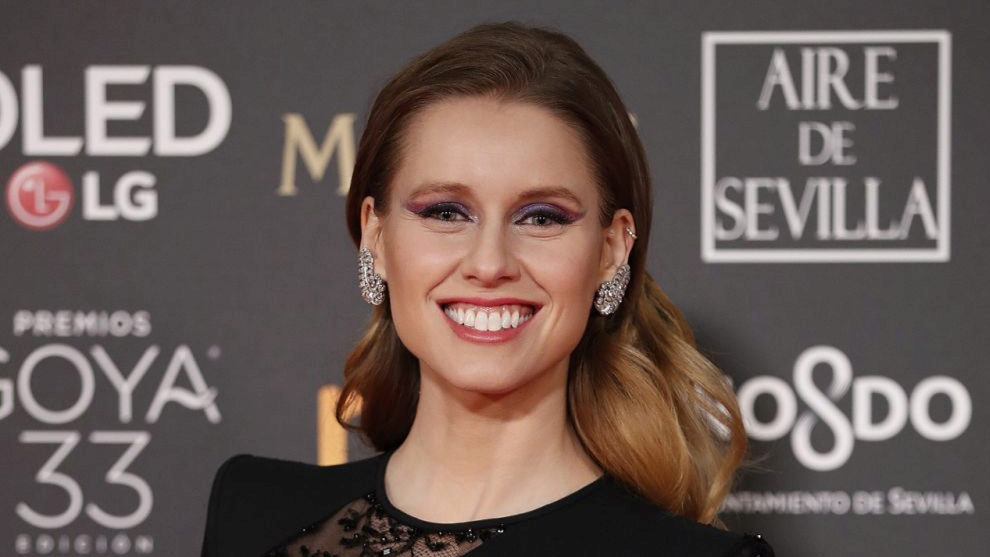 Manuela Vellés y su eyeliner tricolor en la gama de los violetas.