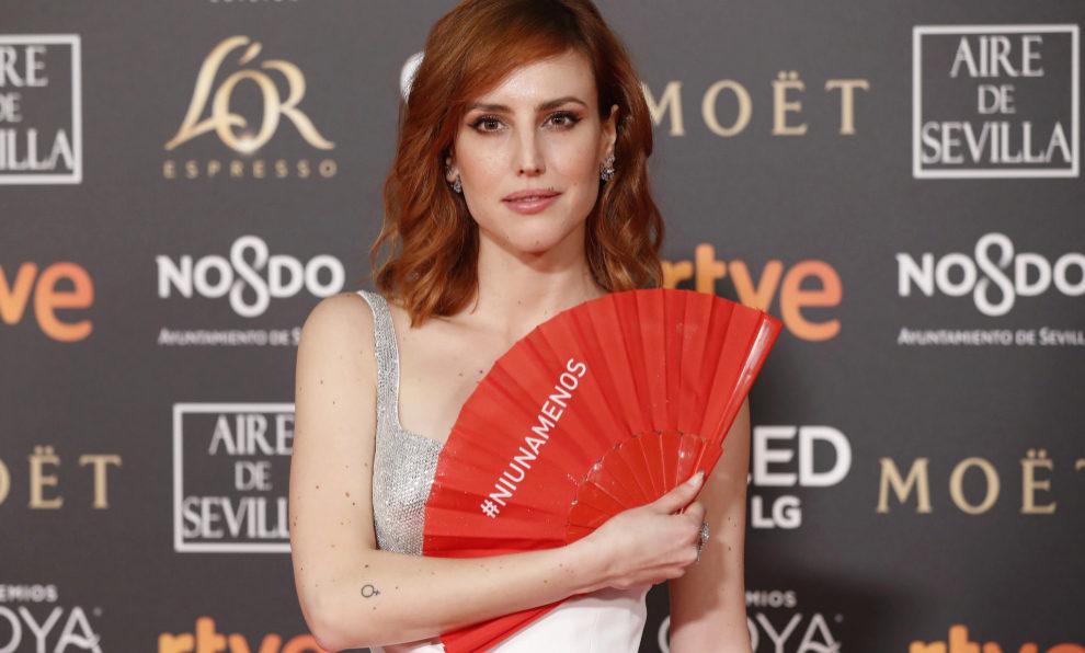 Natalia de Molina en la alfombra roja de los Premios Goya 2019 con un...