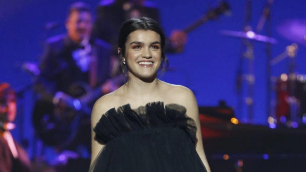 Amaia Romero tras su actuación musical en la gala de los Premios Goya...