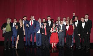 El equipo de Campeones, recoge el Goya a las mejor película