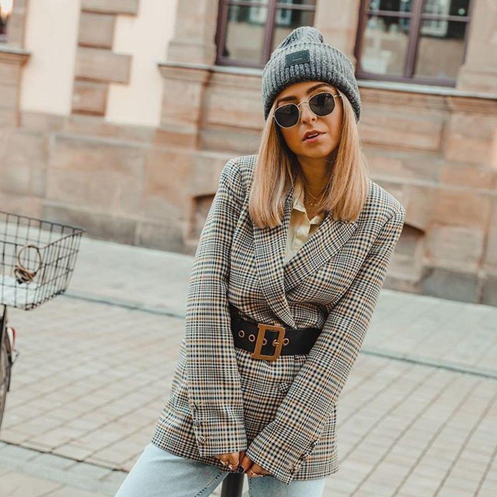 La influencer Jecky con el cinturón de Dior